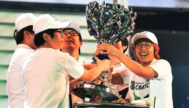 Đội hình huyền thoại của Samsung Galaxy White vô địch CKTG 2014 giờ đã không còn một ai thi đấu chuyên nghiệp - Ảnh 3.