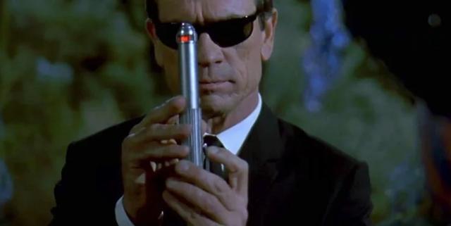 Máy xóa trí nhớ và những thiết bị 'xịn xò' nhất trong phim mà ai cũng muốn sở hữu - Ảnh 4.