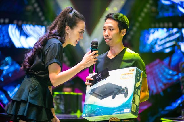 """Game thủ AxE: Alliance x Empire """"quẩy tung nóc"""" cùng Big Offline siêu hoành tráng tại Sài Gòn - Ảnh 7."""