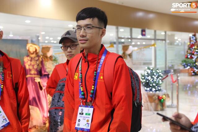 Sau chuyến bay hú hồn, đội tuyển quốc gia Mobile Legends Việt Nam đã đặt chân an toàn tới Philippines - Ảnh 10.