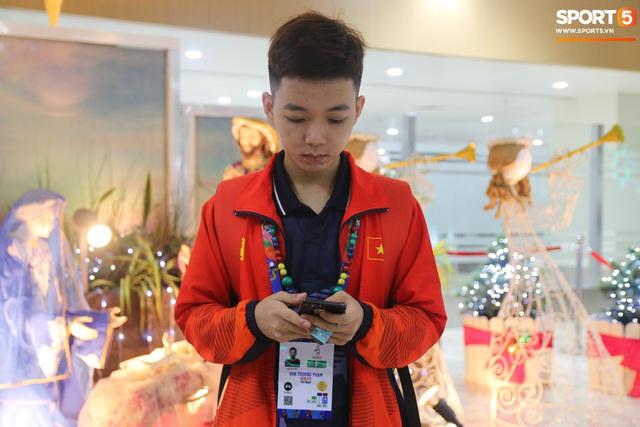 Sau chuyến bay hú hồn, đội tuyển quốc gia Mobile Legends Việt Nam đã đặt chân an toàn tới Philippines - Ảnh 12.