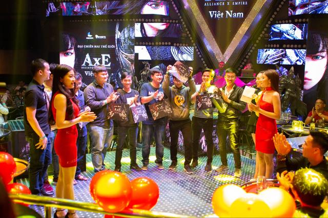 """Game thủ AxE: Alliance x Empire """"quẩy tung nóc"""" cùng Big Offline siêu hoành tráng tại Sài Gòn - Ảnh 9."""