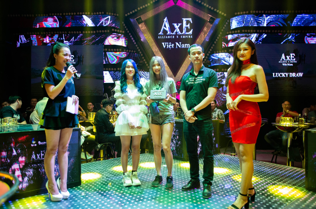 """Game thủ AxE: Alliance x Empire """"quẩy tung nóc"""" cùng Big Offline siêu hoành tráng tại Sài Gòn - Ảnh 10."""