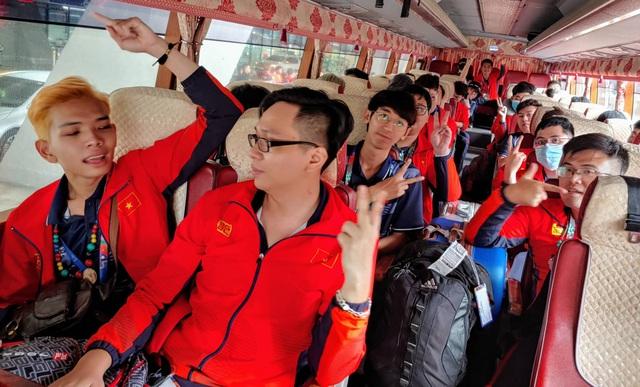 Sau chuyến bay hú hồn, đội tuyển quốc gia Mobile Legends Việt Nam đã đặt chân an toàn tới Philippines - Ảnh 7.