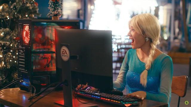 Santa FIFA bất ngờ trở lại trong clip mới nhất của FIFA Online 4 - Ảnh 9.