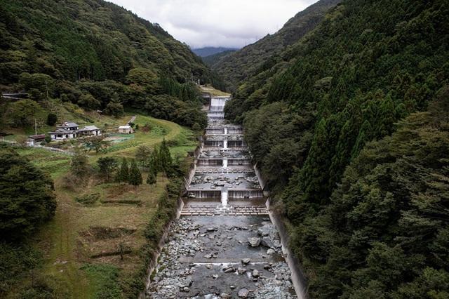 Ngôi làng vắng bóng trẻ thơ tại Nhật Bản: 18 năm không có một đứa trẻ nào ra đời, số búp bê nhiều gấp 10 lần số dân làng - Ảnh 4.