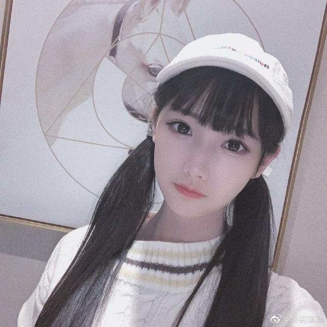 Lộ diện nữ thần sắc đẹp mới của làng eSports: nữ BLV 23 tuổi, đang có tới 2 triệu fan trên trang cá nhân - Ảnh 7.