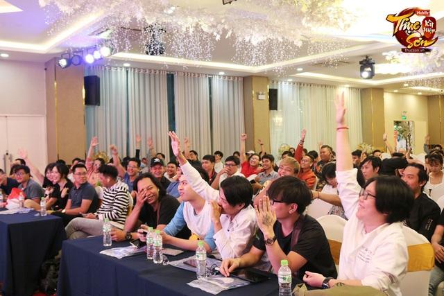 Đại gia Sài Gòn ngồi rung đùi xem trâu bò húc nhau, đến phút cuối chốt đấu giá TRĂM CỦ, bước nhảy 30 triệu khiến cộng đồng Thục Sơn nín luôn - Ảnh 2.