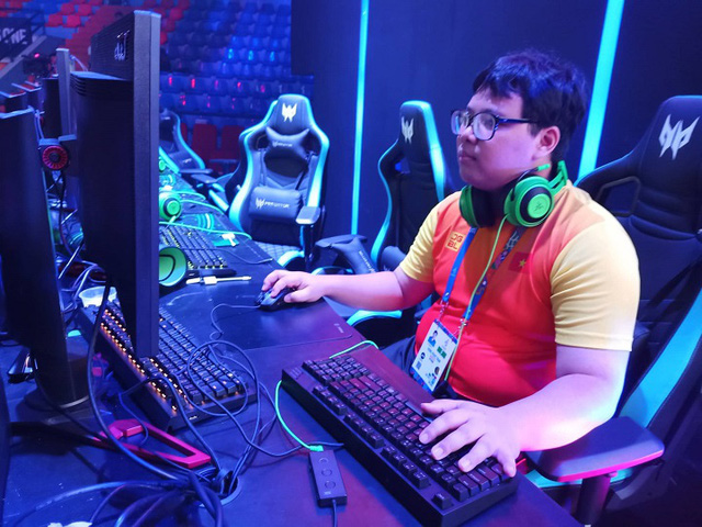 SEA Games 30: MeomaikA toàn thắng tại bộ môn Starcraft II, Hoàng Long vượt qua vòng bảng nội dung Hearthstone - Ảnh 2.