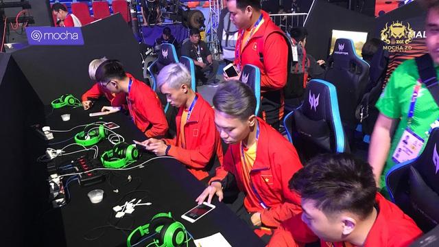 Liên Quân Mobile: Xếp nhì bảng, Việt Nam gặp Malaysia ở vòng playoff, vẫn sáng cửa vào chung kết - Ảnh 3.