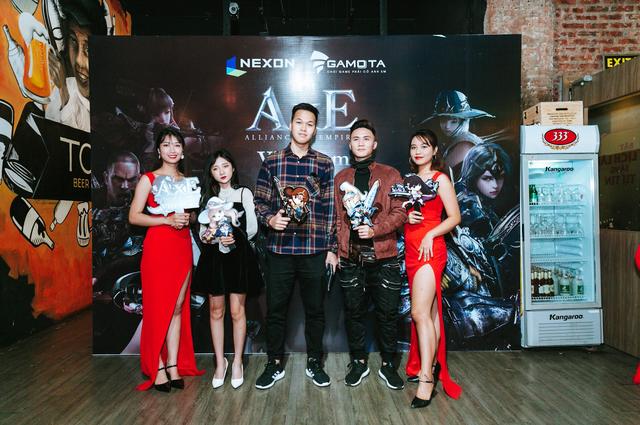 Chim Sẻ Đi Nắng bất ngờ xuất hiện tại Offline AxE Hà Nội, chung vui cùng 500 anh em Liên Minh x Đế Chế - Ảnh 3.