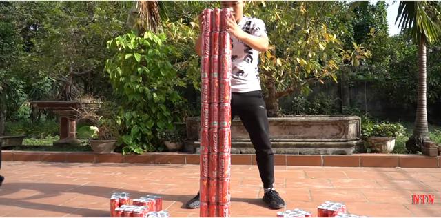 NTN làm clip thất bại, vẫn tự hào khoe xây thành công tòa tháp Coca Cola cao nhất thế giới khiến dân mạng bức xúc - Ảnh 2.