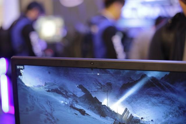 Cận cảnh laptop gaming siêu khủng Legion Y740 mới của Lenovo: Trang bị cả RTX 2080 chiến game bao mượt - Ảnh 13.