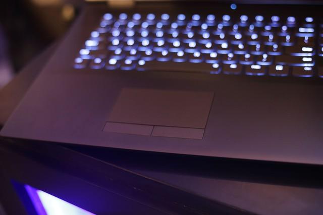 Cận cảnh laptop gaming siêu khủng Legion Y740 mới của Lenovo: Trang bị cả RTX 2080 chiến game bao mượt - Ảnh 16.