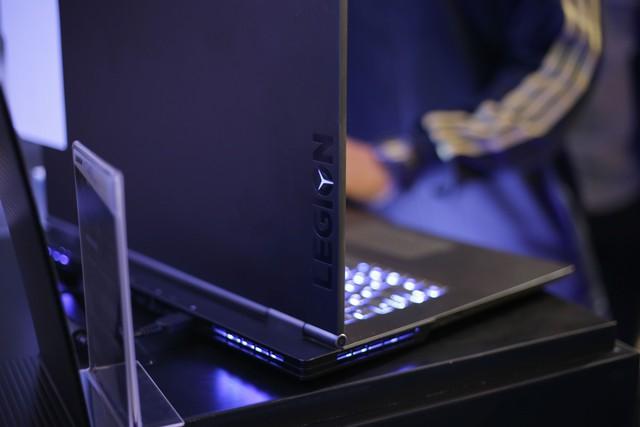 Cận cảnh laptop gaming siêu khủng Legion Y740 mới của Lenovo: Trang bị cả RTX 2080 chiến game bao mượt - Ảnh 21.