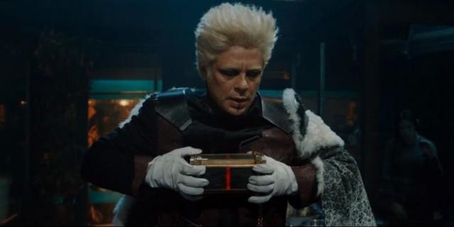 Hé lộ bằng chứng cho thấy hãng Marvel đã thay đổi kế hoạch biến Tesseract thành một viên đá Vô Cực - Ảnh 2.