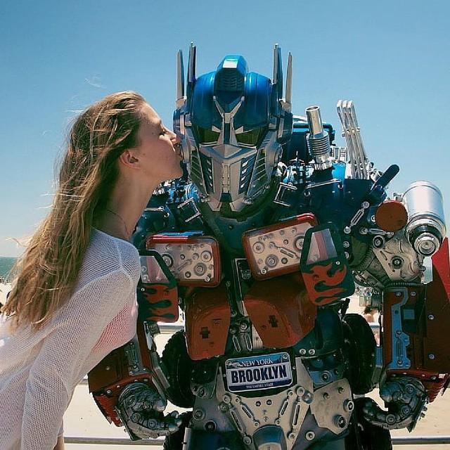 Mãn nhãn với bộ sưu tập robot Transformers được chế biến từ phế liệu cũ - Ảnh 5.