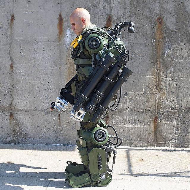 Mãn nhãn với bộ sưu tập robot Transformers được chế biến từ phế liệu cũ - Ảnh 9.
