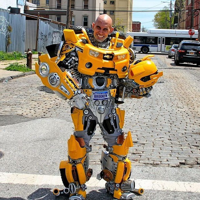 Mãn nhãn với bộ sưu tập robot Transformers được chế biến từ phế liệu cũ - Ảnh 10.