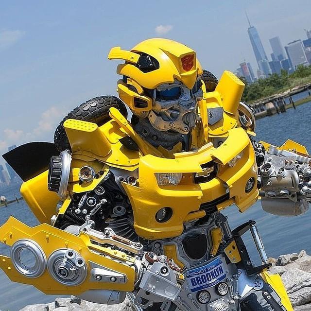 Mãn nhãn với bộ sưu tập robot Transformers được chế biến từ phế liệu cũ - Ảnh 18.