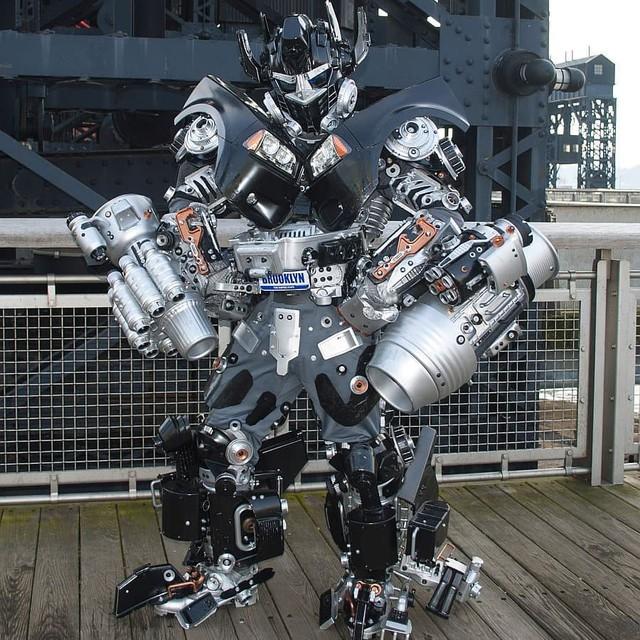 Mãn nhãn với bộ sưu tập robot Transformers được chế biến từ phế liệu cũ - Ảnh 21.