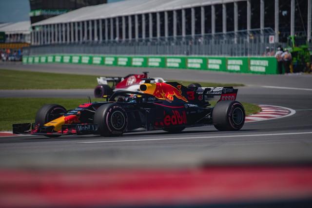 Chơi lớn như McLaren, đào tạo tuyển thủ F1 eSports trở thành tay đua ngoài đời thực - Ảnh 3.