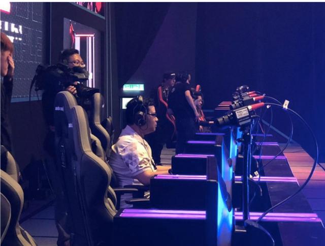 Starcraft II WESG 2018: Đại diện Việt Nam bất ngờ chiến thắng trước Đương kim vô địch người Hàn Quốc - Ảnh 3.