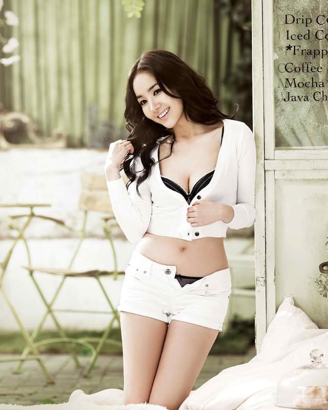 Chảy nước miếng với nhan sắc tuyệt trần và vẻ sexy khó đỡ của Park Min Young - cô đào nổi tiếng của xứ sở kim chi - Ảnh 22.