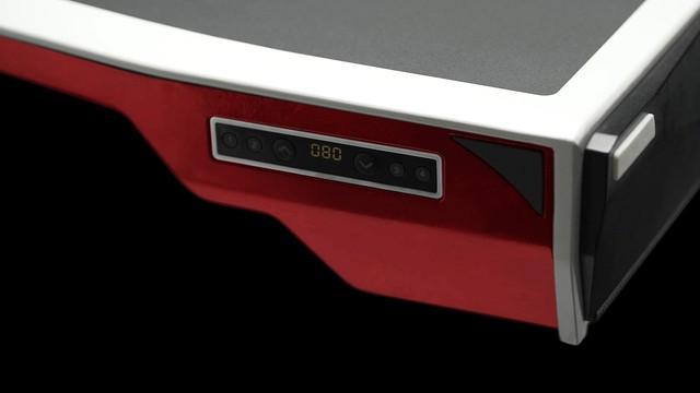 Giật mình với chiếc bàn chơi game tất cả trong một từ PC tới màn hình gói thành một chiếc vali - Ảnh 7.
