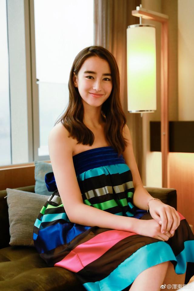 Chiêm ngưỡng vẻ đẹp đóa hồng lai xinh đẹp 16 tuổi sẽ sánh vai cùng Chân Tử Đan trong Diệp Vấn 4 - Ảnh 4.
