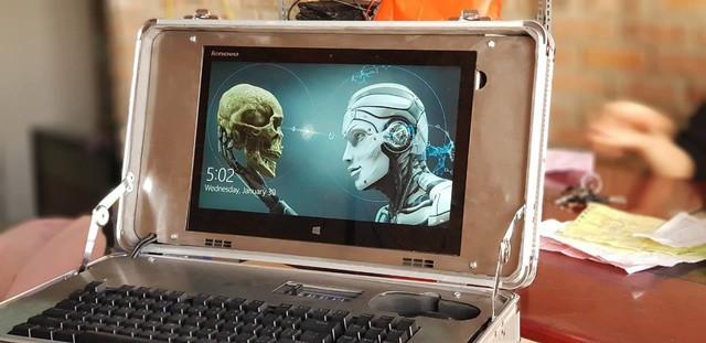 Bá đạo bạn trẻ Việt tự mod laptop trông như va li hạt nhân cực ngầu - Ảnh 5.