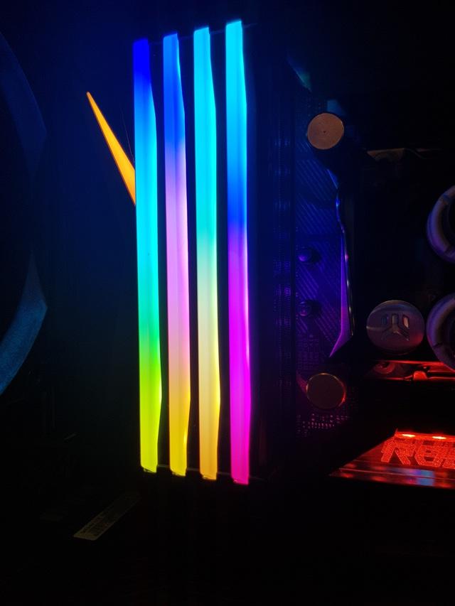 Bộ phụ kiện này có khả năng biến mọi loại RAM xấu xí trở thành đẹp lộng lẫy - Ảnh 6.