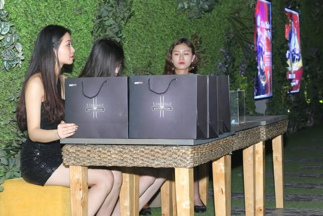 Toàn cảnh buổi Offline VIP của Lineage 2 Revolution tại Hà Nội: Mãn nhãn với kèo đấu của các khách mời - Ảnh 2.