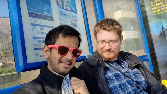 Xem video của Pewdiepie 399 lần/ngày, YouTuber Ấn Độ tự nhận là fan cuồng, quyết hành hương tới Anh để gặp thần tượng - Ảnh 1.