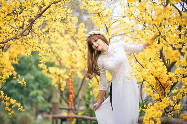 DJ Ukraine làm náo loạn Hà Nội vì xinh như thiên thần, khiến búp bê cũng phải ghen tị - Ảnh 9.