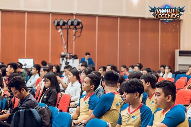 Mobile Legends Bang Bang VNG triển khai giải đấu thể thao điện tử ở trường đại học - Ảnh 4.