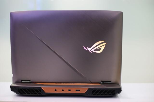 Asus ROG G703GX - Laptop gaming quái vật với CPU i9, RTX 2080 không những chơi game mượt mà còn giúp game thủ tăng cường sức khỏe - Ảnh 2.
