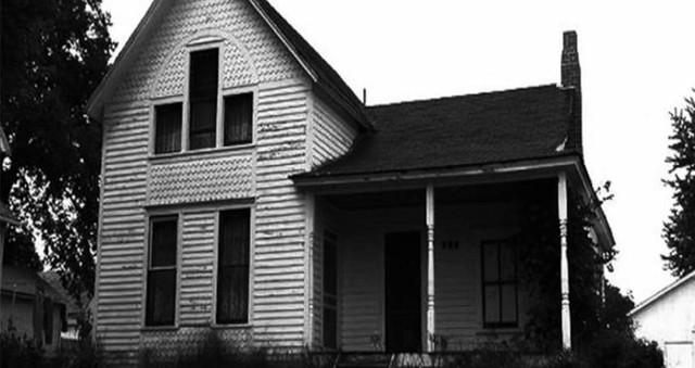 Những căn nhà tưởng chừng bình thường nhưng lại có lịch sử vô cùng đen tối - Ảnh 2.