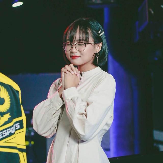 LMHT: Cận cảnh nhan sắc tuyệt trần của những nữ MC góp mặt ở MSI 2019 - Ảnh 16.