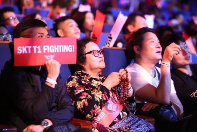 LMHT: Fan Việt quá cuồng nhiệt, trang chủ SKT T1 liên tục gửi lời cảm ơn tới game thủ nước chủ nhà - Ảnh 3.