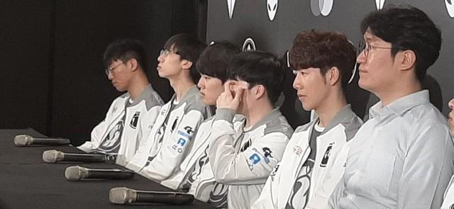 LMHT: IG thua đau vì tuyển thủ Ning bị bạn gái chia tay ngay trước trận Bán kết với Team Liquid? - Ảnh 4.