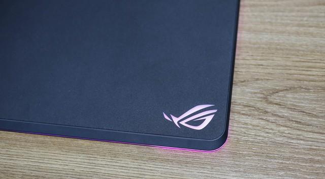 Cận cảnh Asus ROG Balteus Qi - Pad chuột phải sắm cho game thủ dùng smartphone xịn - Ảnh 9.