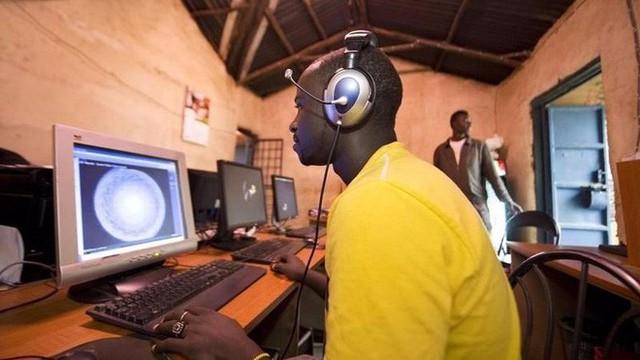 Trải nghiệm quán net ở châu Phi: Mở web mất 5 phút, có nơi thu phí cắt cổ tới 400.000 đồng/giờ - Ảnh 6.