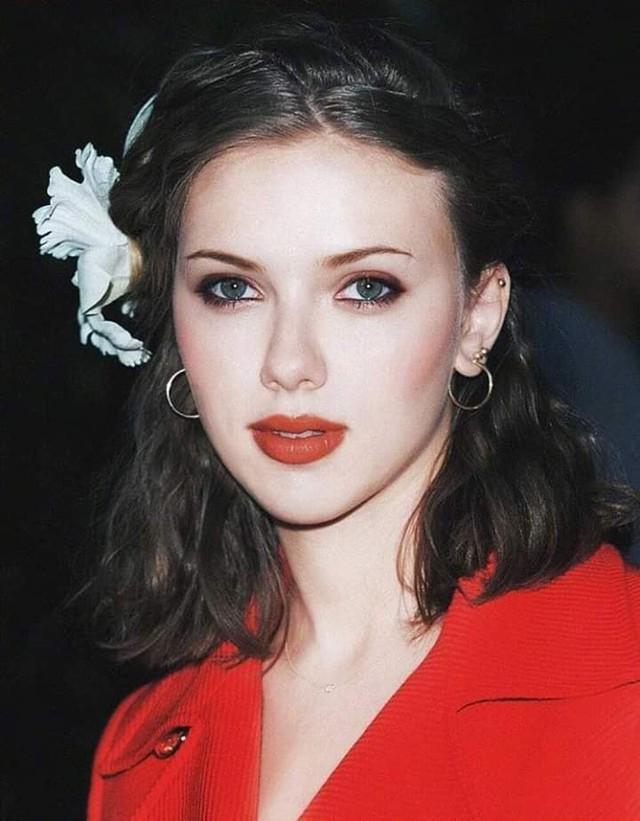 Hành trình nhan sắc ngày càng nóng bỏng của Scarlett Johansson từ lúc còn bé cho đến khi xuất hiện trong Avengers: Endgame - Ảnh 6.
