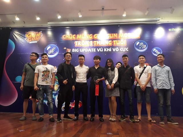 Lạc nhau giữa biển người dự offline Gun Gun Mobile: Không hổ danh cộng đồng nhiều trai xinh gái đẹp nhất Việt Nam - Ảnh 14.