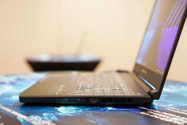 Ảnh thực tế loạt laptop gaming mới của Acer: Predator Helios 700 có cả cơ chế bàn phím trượt - Ảnh 8.