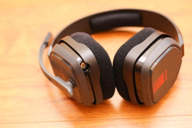 Vặn thử Astro A10, tai nghe gaming bất tử đập xoắn thoải mái cũng không sao - Ảnh 3.