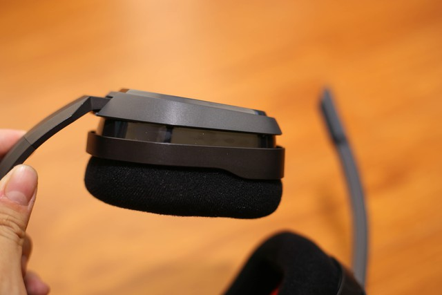 Vặn thử Astro A10, tai nghe gaming bất tử đập xoắn thoải mái cũng không sao - Ảnh 13.