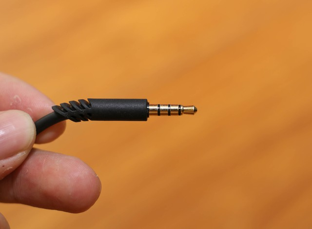 Vặn thử Astro A10, tai nghe gaming bất tử đập xoắn thoải mái cũng không sao - Ảnh 15.