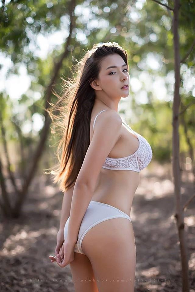 Thiên thần vòng một Thái Lan gây sốt với bộ nội y khoe trọn đôi gò bồng đảo - Ảnh 14.